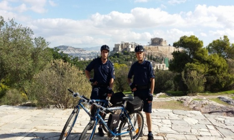 Police bicycle patrols in six major Greek cities