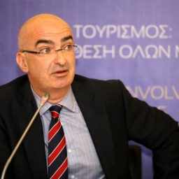 "G. Tsakiris: Hoteliers ""New Deal"" for season extension"