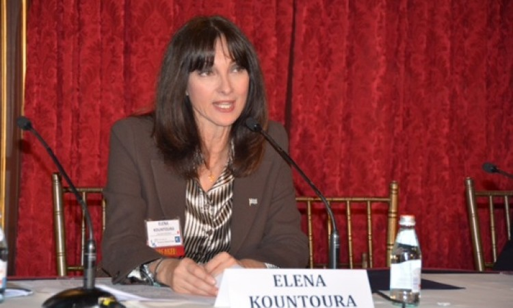Kountoura invites International Investors to Greece