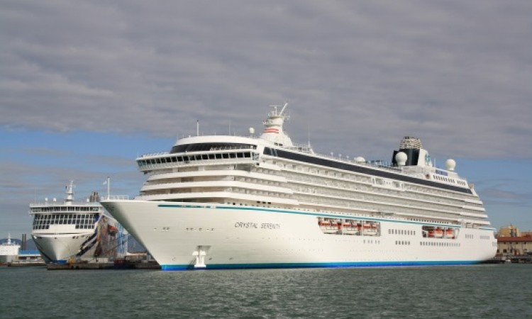 Crystal Cruises goes from Turkey to Greece over security