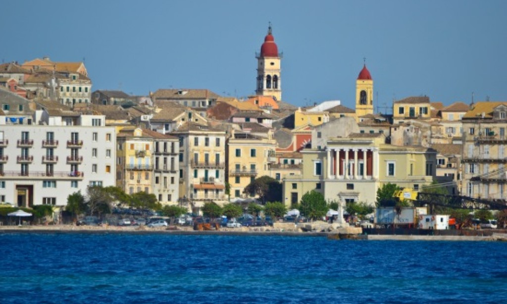 The Spanish propose Corfu for winter holidays