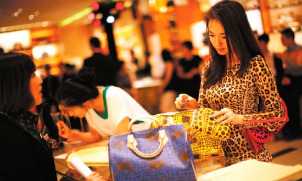 109 mil. Chinese spend USD 229 bil. in 2015