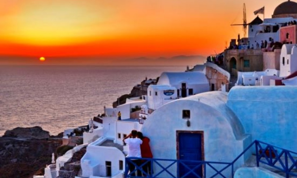 Thomson: Santorini in most popular destinations