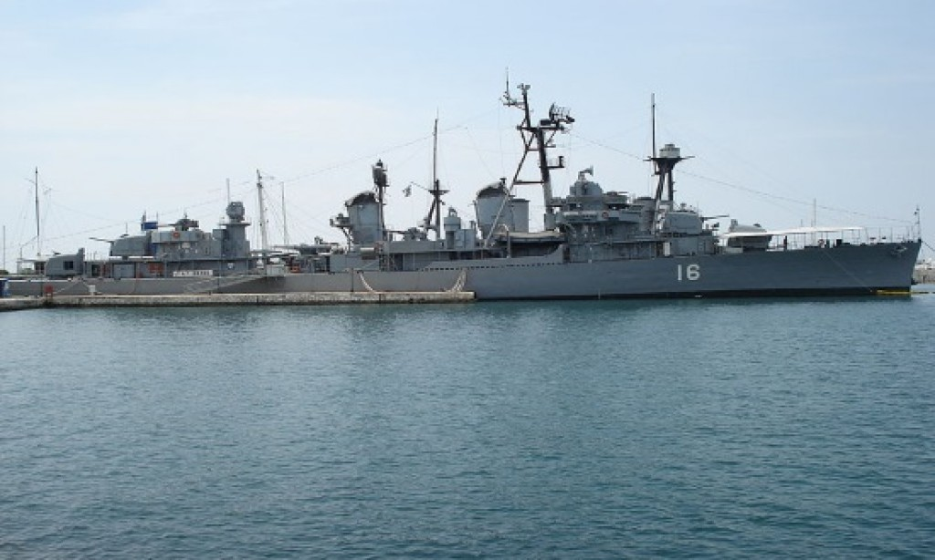 Three Greek Navy vessels open to public for March 25 anniversary