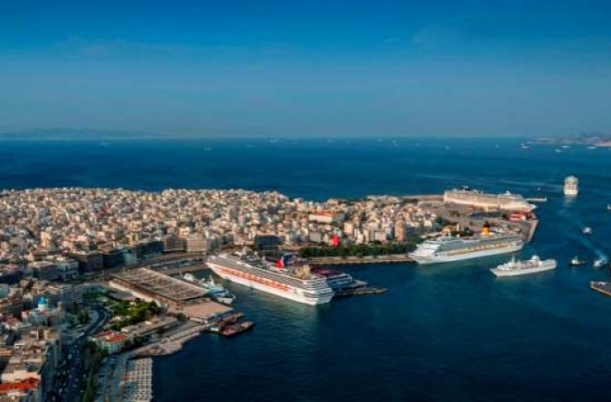 Piraeus port jumps to 38th place globally in 2016 in terms of container traffic